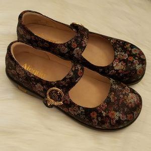 Women's Alegria Velcro Strap Slip-Resistant Shoes